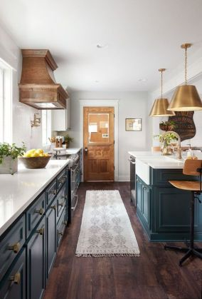 DIY | Kitchen Island Accent Color – Chelsea Rominski Photography